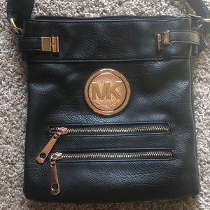 🖤Black purse!! 🖤